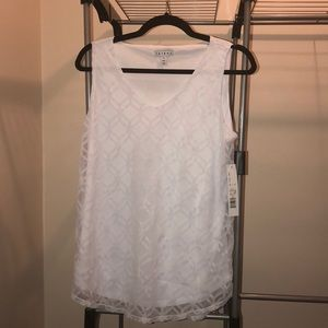 White V-neck tank top with diamond net overlay